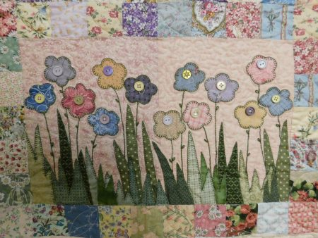 Pretty and pink flowers block